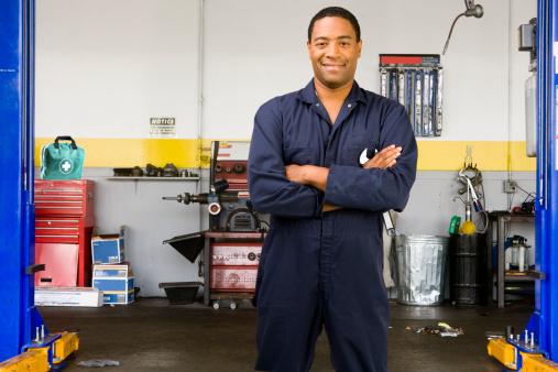 Comment changer une ampoule de voiture blog for Changer ampoule garage